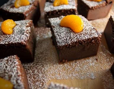 Receta de tarta mágica de chocolate con mandarina