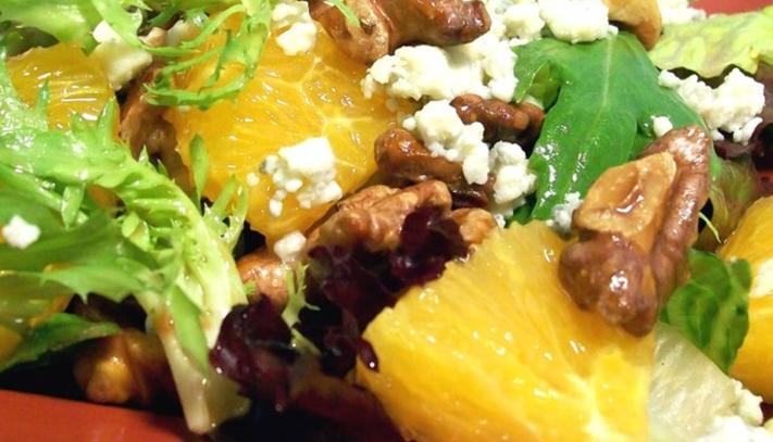 ensalada-de-invierno-hojas-verdes-con-vinagreta-de-citricos-frescos